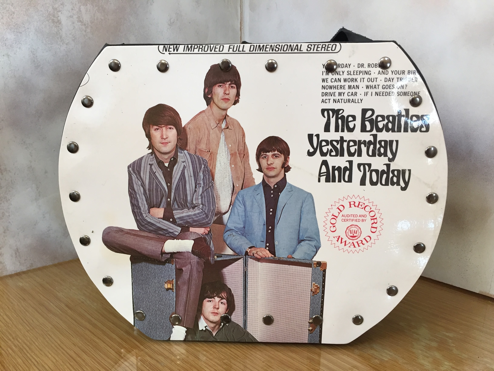 beatles original record purse the beatles the beatles yesterday and today beatles fab four. Black Bedroom Furniture Sets. Home Design Ideas