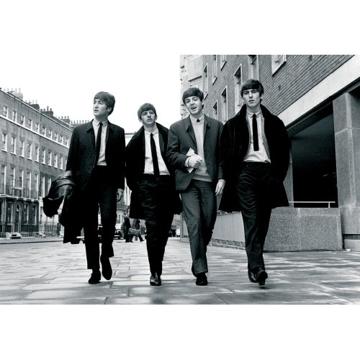 "Picture of Beatles Postcard Card: The Beatles ""Walking in London"" (Standard)"