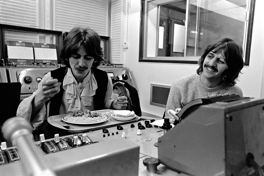 The Beatles - A Day in The Life: October 9, 1968