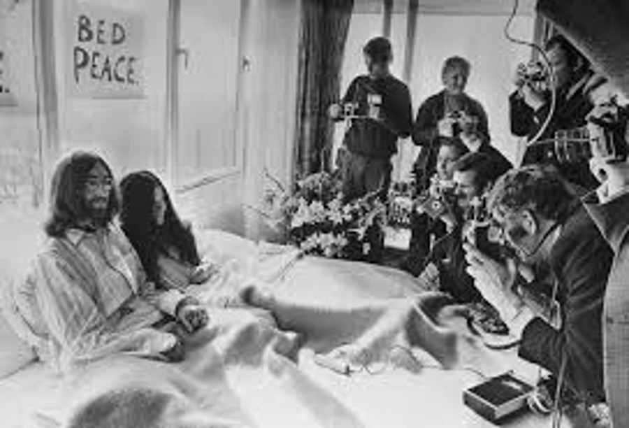 The Beatles - A Day in The Life: March 21, 1969