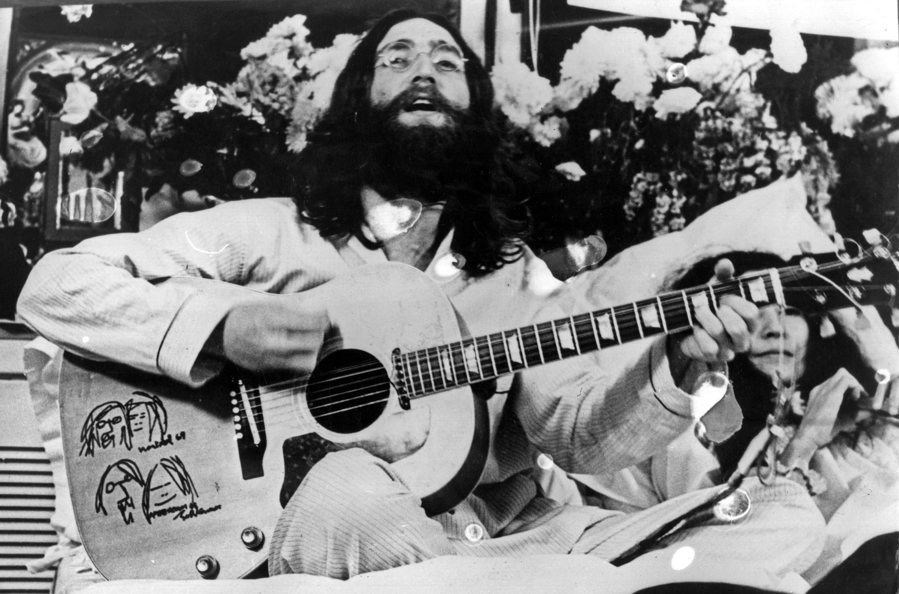 The Beatles - A Day in The Life: May 25, 1969
