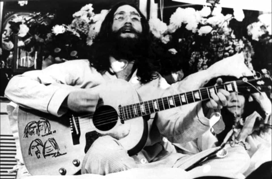 The Beatles - A Day in The Life: June 1, 1969