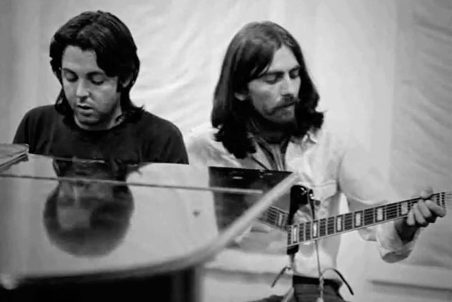 The Beatles - A Day in The Life: July 17, 1969